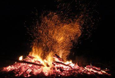 Brauchtums- und Osterfeuer